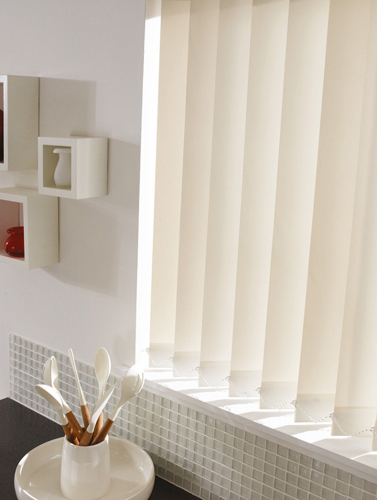 in vertical of image curtains blind blinds p worcestershire only windows malvern slats gumtree
